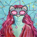 Acrylique sur chassis en pixel art, dans les tons de rose et bleu, utilisant la technique des perles à repasser, représentant un portrait de femme au cheveux roses, portant un masque en pixel de chat.
